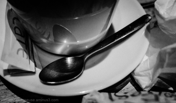Spoon saucer mug in a cafe.