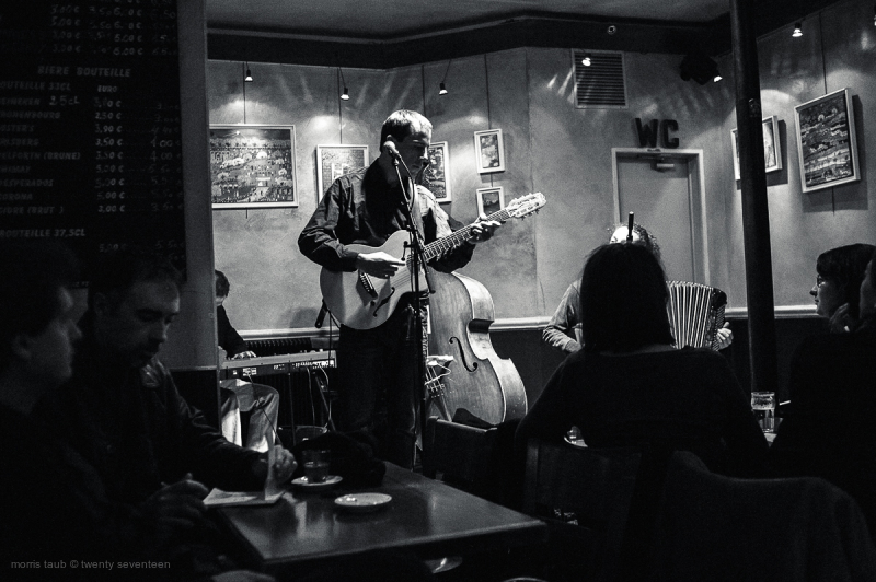 Musicians playing in a Parisien bar.