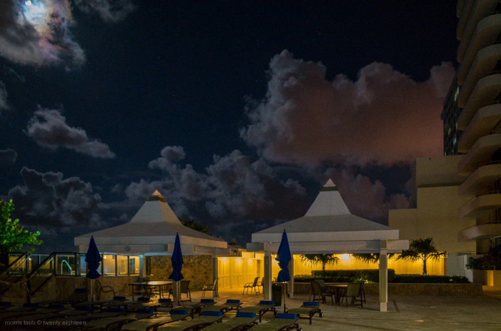Moonlight with jacuzzi in Miami Beach.