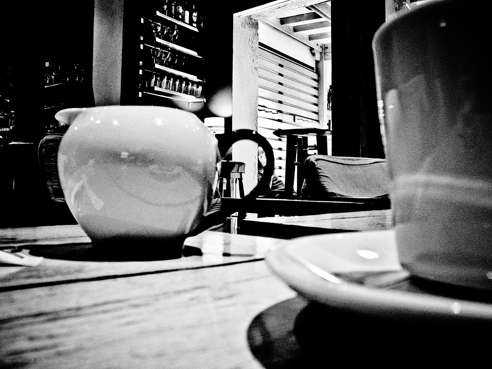 Cafe life and leisure.