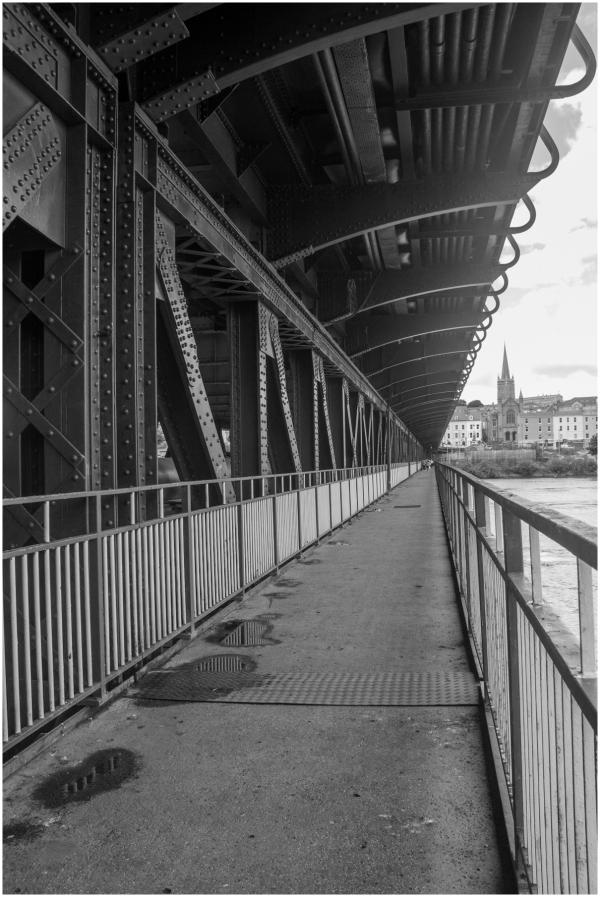 Craigavon Bridge 2