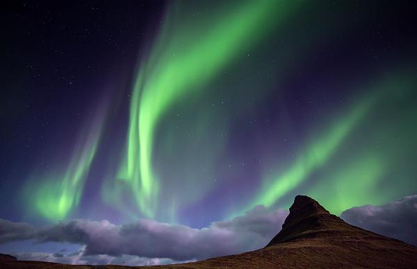 Aurores boréales  sur le Mt Kirkjufell