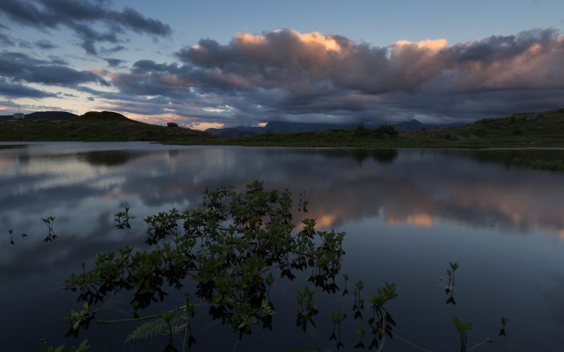 Coucher de soleil sur le lac Guichard