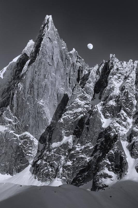 Lever de lune sur les Drus