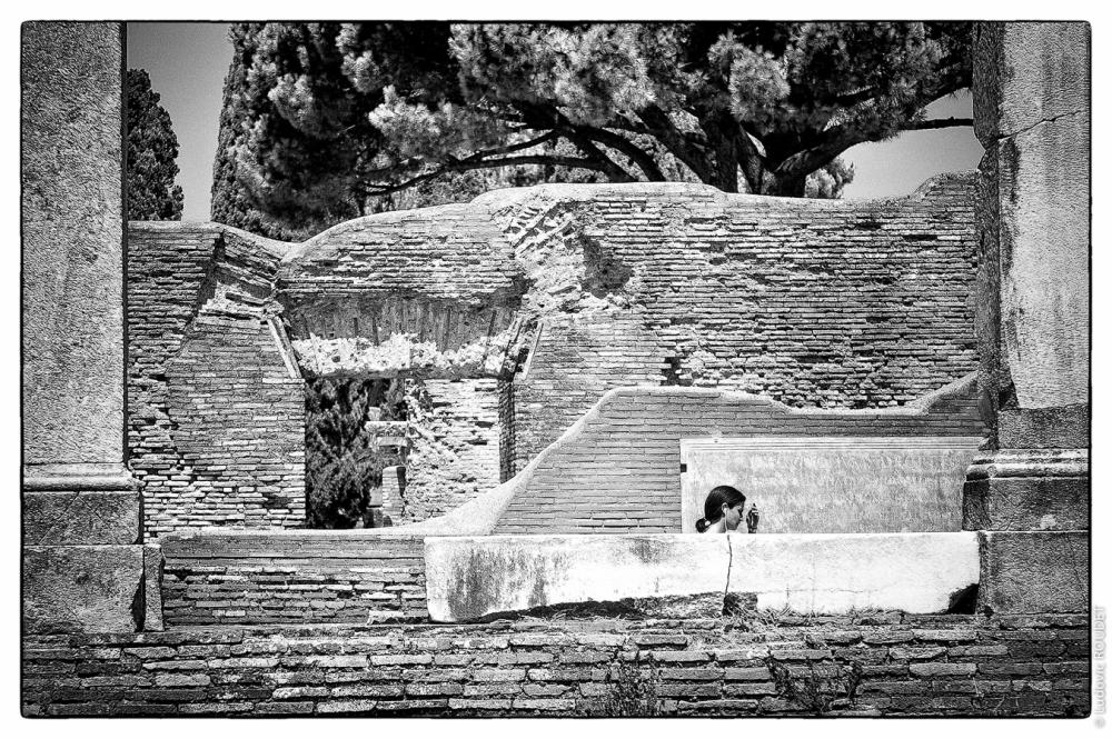 Tra antiche pietre (1)