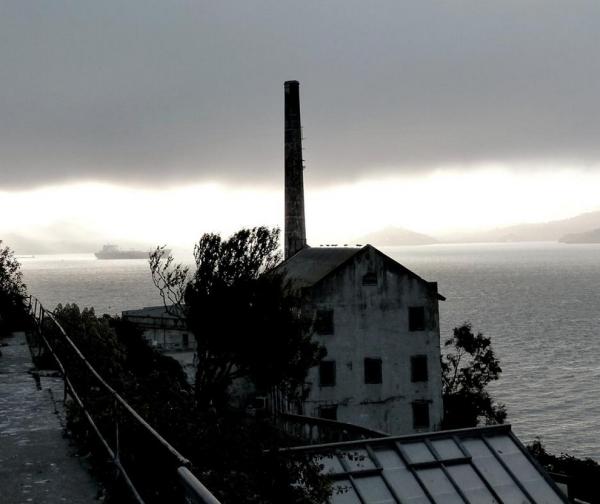 Alcatraz 17