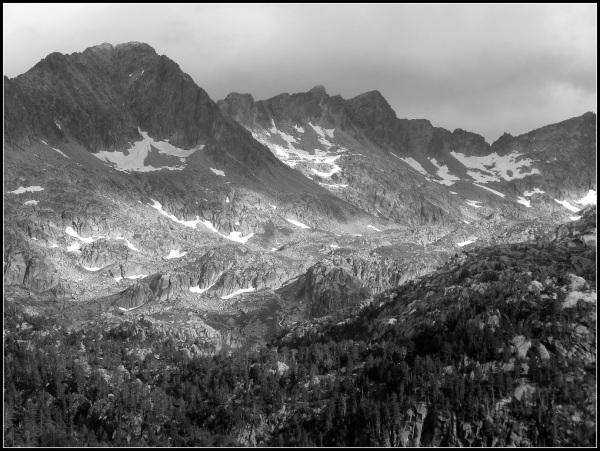 paisaje en negro