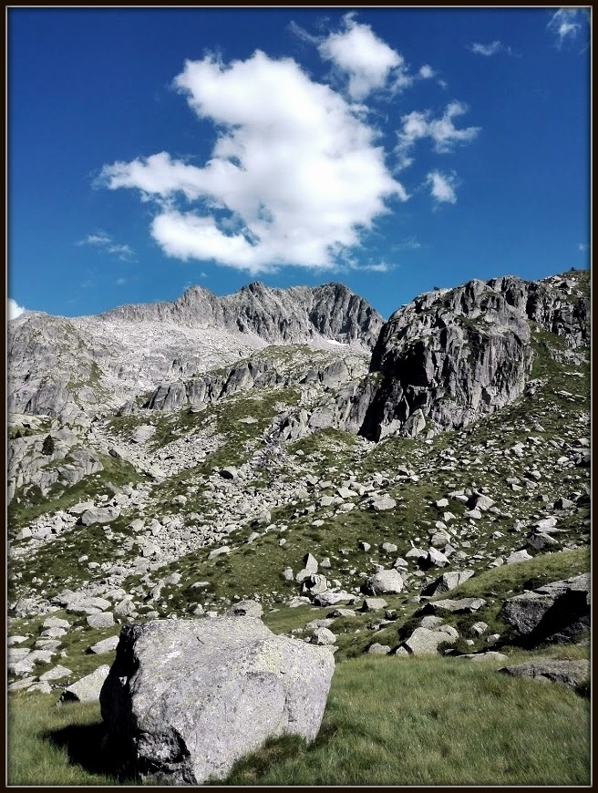 piedra y nube