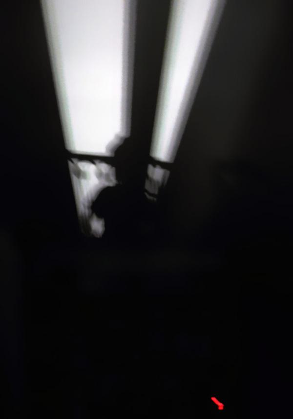 Sur l'écran noir de mes nuits blanches..