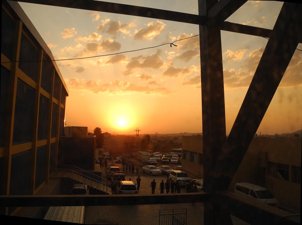 le soleil se couche sur Erbil