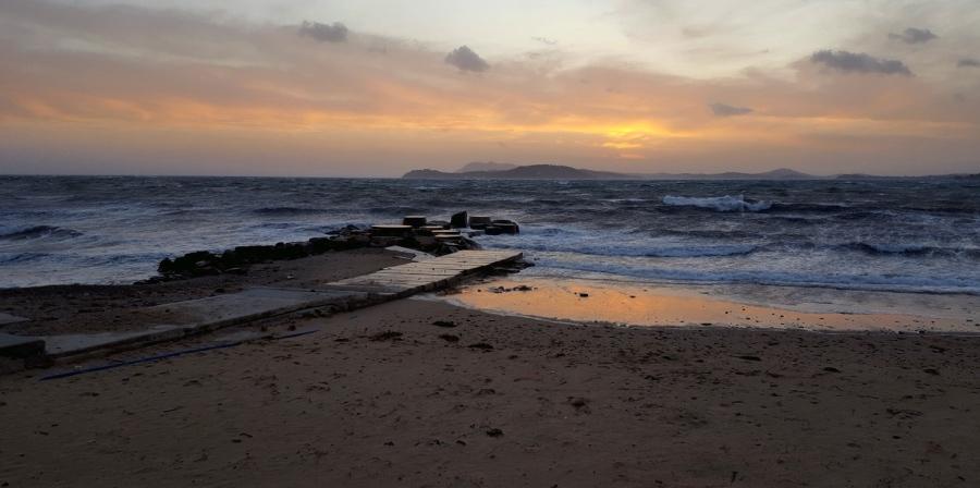 plage des  oursinières , soleil couchant