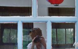 autoportrait à la lanterne rouge