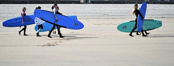 surfing in progress