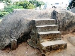 Gopi's Churn, Trimurti Cave, Mahabalipuram (24)