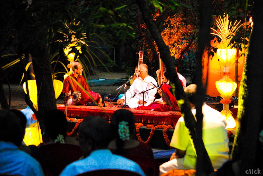 Vijay Siva in concert