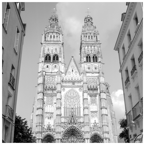Un petit Tours devant la cathédrale