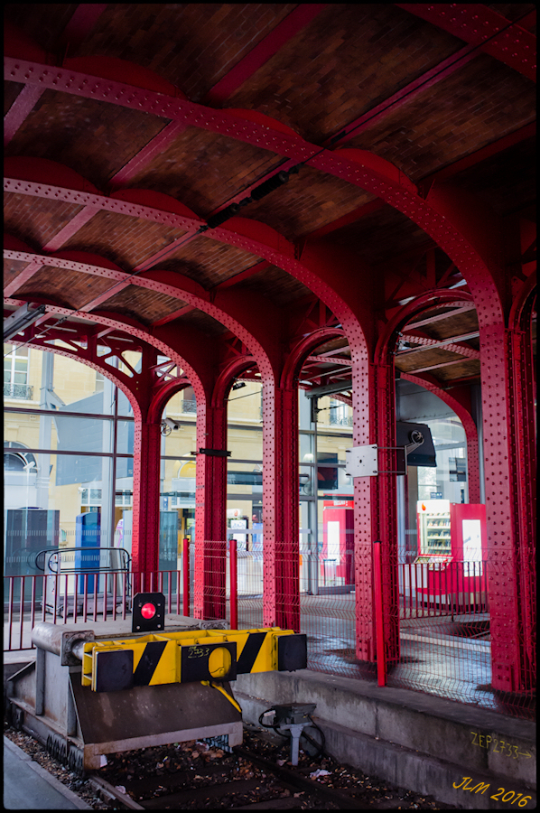 la gare, un dimanche pluvieux d'hiver (Terminus)