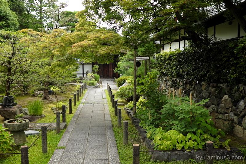 path temple-in-Myoshinjitemple Kyoto