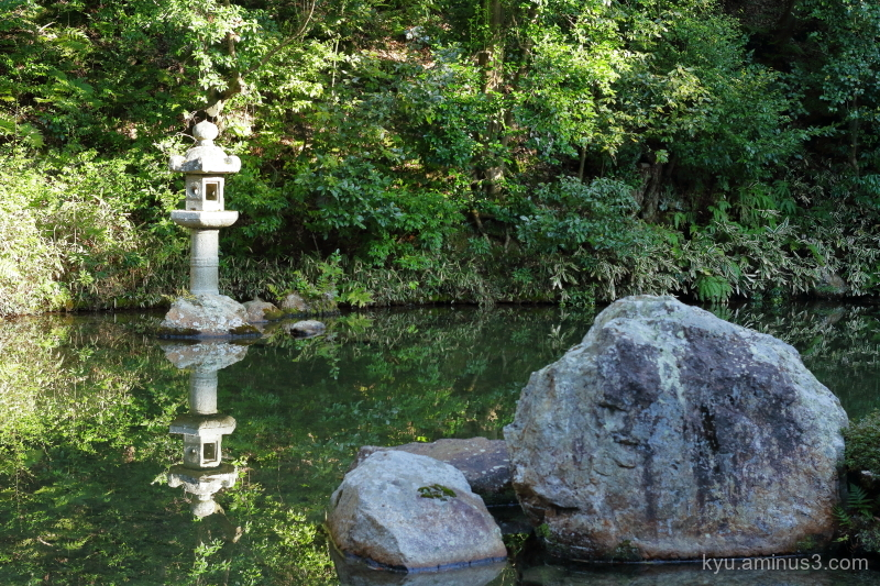 stone-lantern garden Chioin temple kyoto