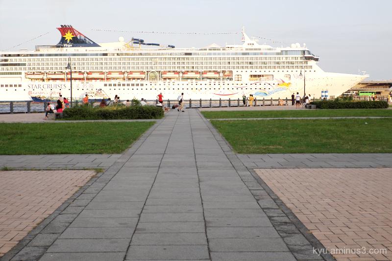 ship port Yokohama Kanagawa