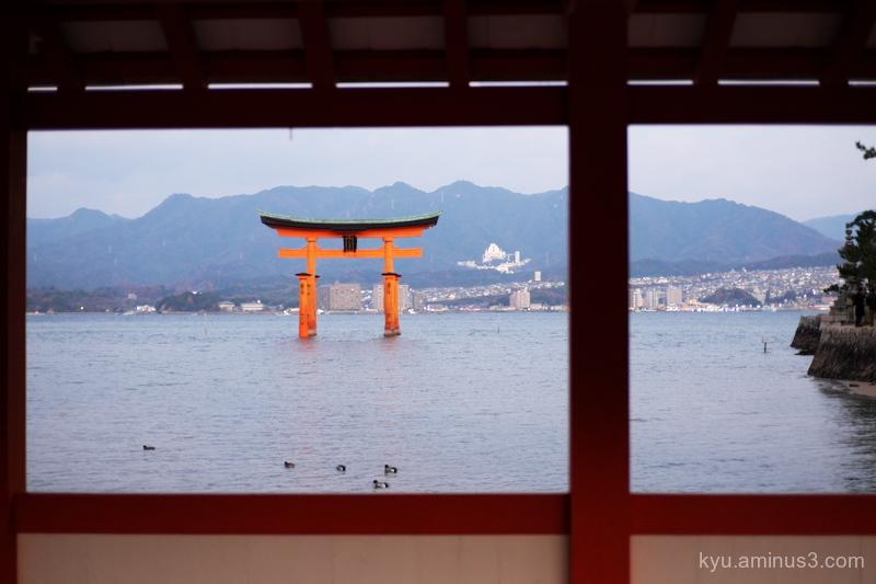 trii Itsukushime-shrine Miyajima Hiroshima