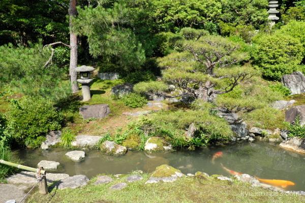garden stone-lantern Shorenin temple