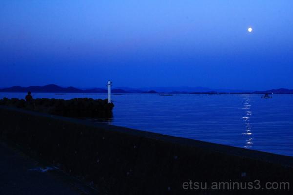 moon biwa lake 琵琶湖