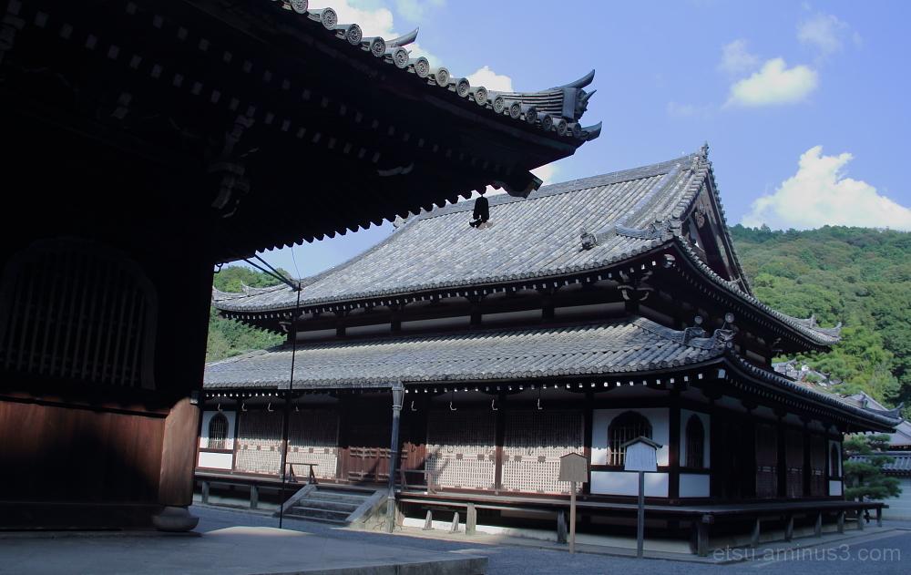 Sennyuji temple 泉涌寺 境内