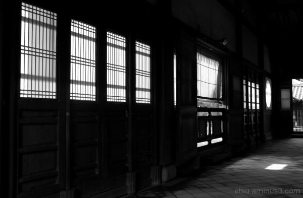 Light and shadow 萬福寺
