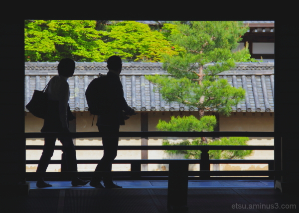 Silhouettes (at a temple) 天龍寺