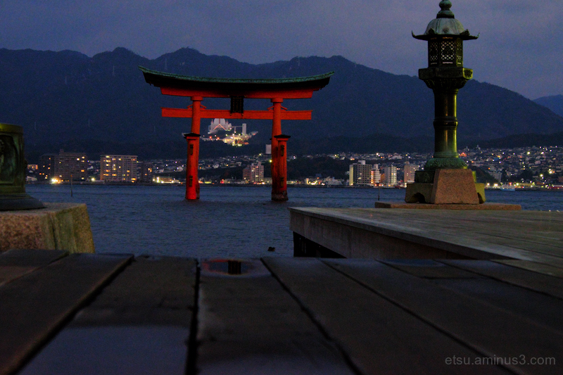Dawn is near  (Itsukushima shrine)