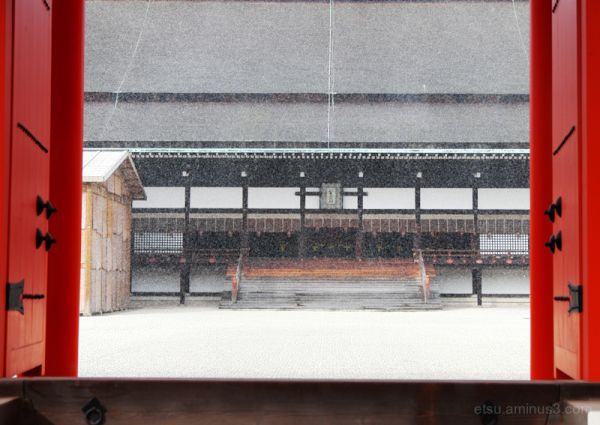 A light powdery snow is falling..........