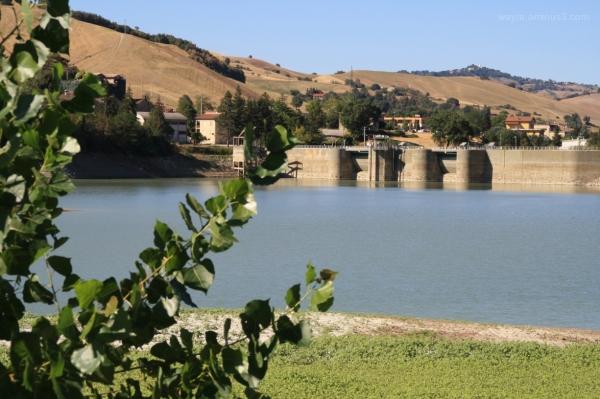 Il fiume e la diga