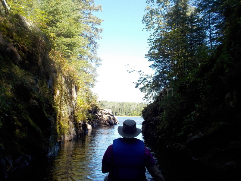 Canoe tunnels