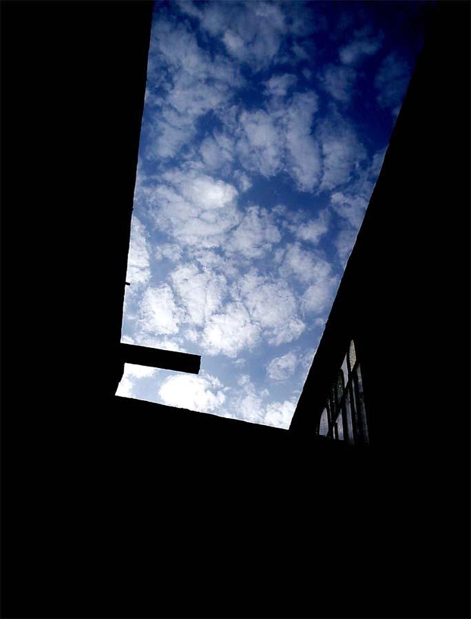 آسمان دنیای تاریک من