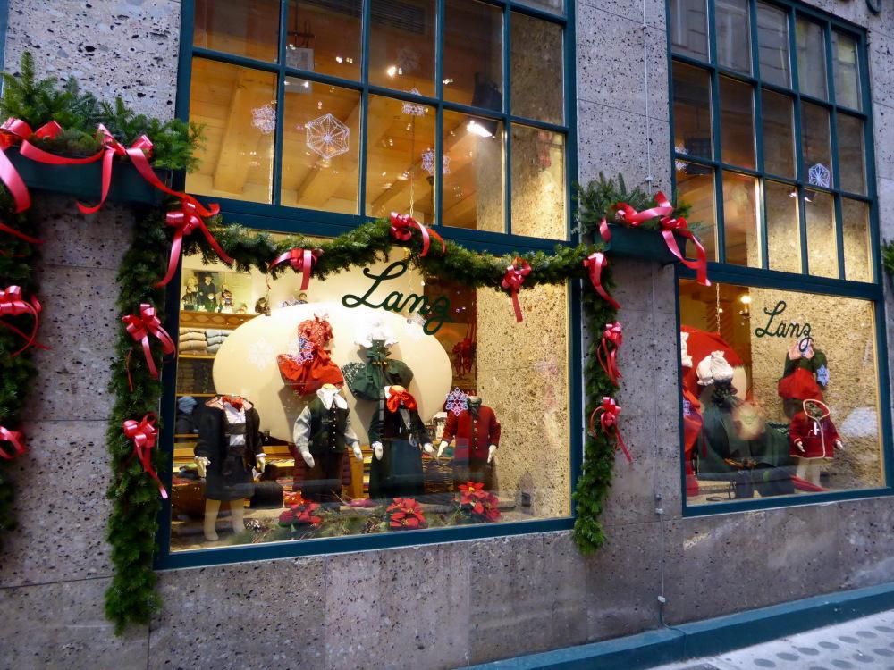 NOEL A VIENNE  --  CHRISTMAS IN VIENNA