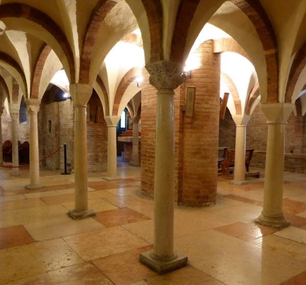 MEDITATION.. Crypte du Monastère de Nonantola
