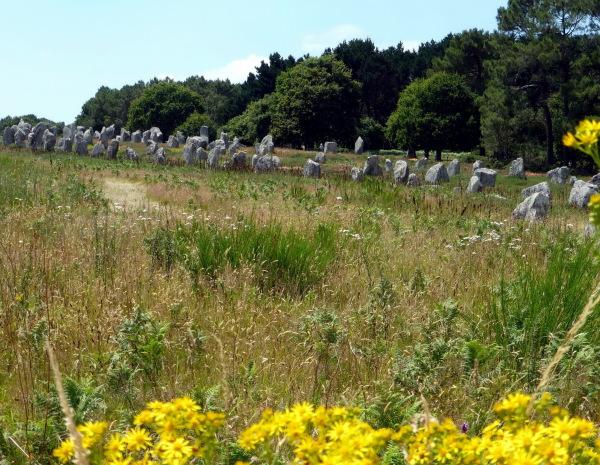En Bretagne, on aime les alignements ... -2-
