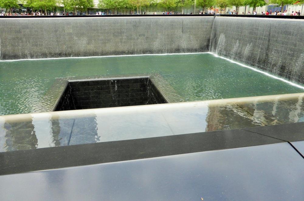 NEW-YORK : mémorial à Ground Zero