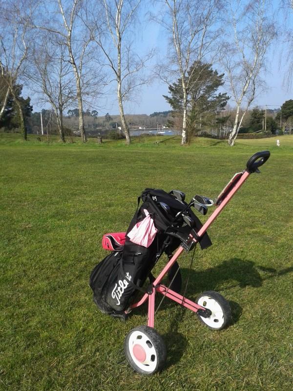"""au golf, """" je vois la vie en rose .... """" :-)))"""