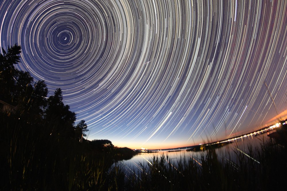 Long Exposure Stars During the Meteor Shower