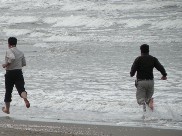 دویدن در ساحل دریای خزر
