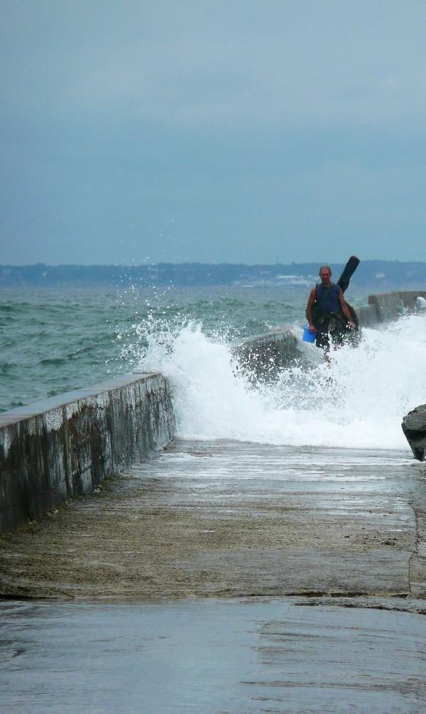 Un pêcheur ne recule devant rien :-)