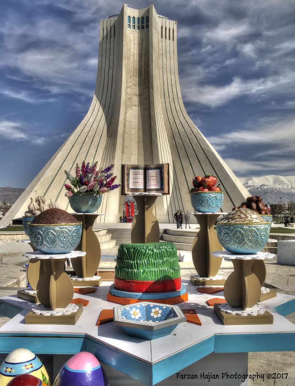 حال و هوای برج آزادی در نوروز