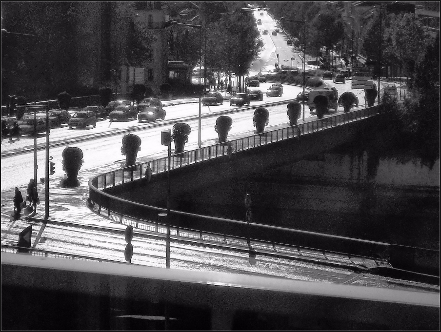 Pont de novembre ensoleillé