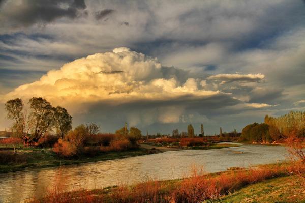 سفینه ابرهای بهاری