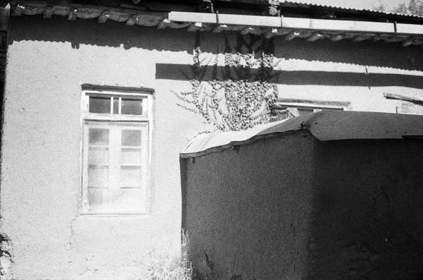 #village#walls#shadow#blackandwhite#analog#pentax#