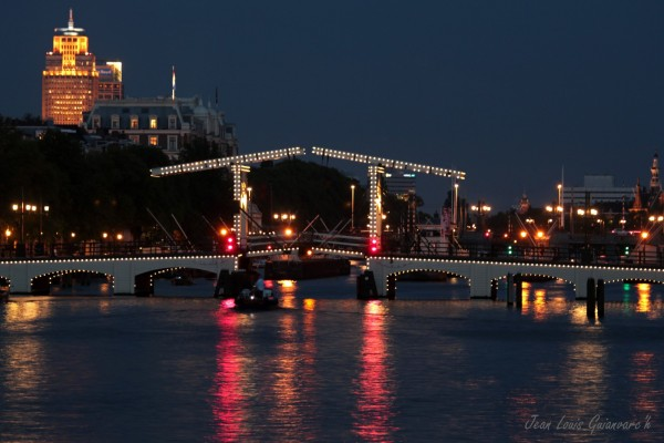 Magere Brug, le soir. / Magere Brug in the evening