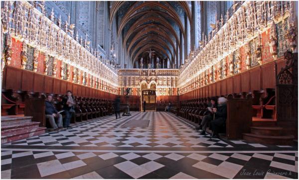 Le chœur des chanoines. / The choir of the canons.
