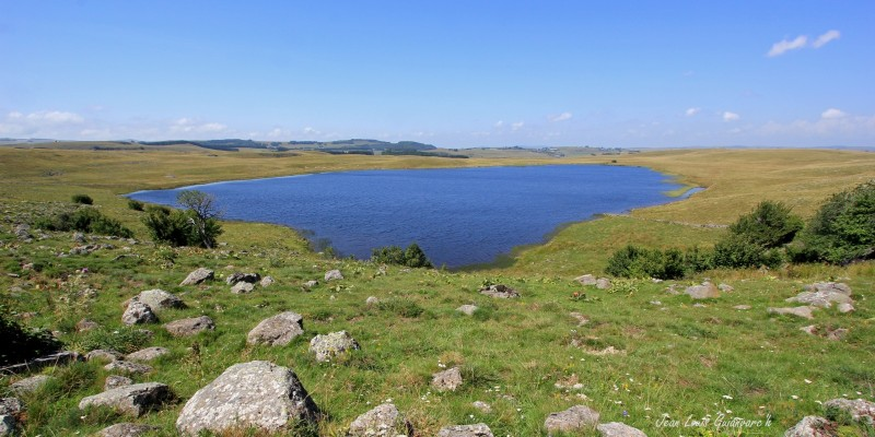 Le lac de Saint-Andéol